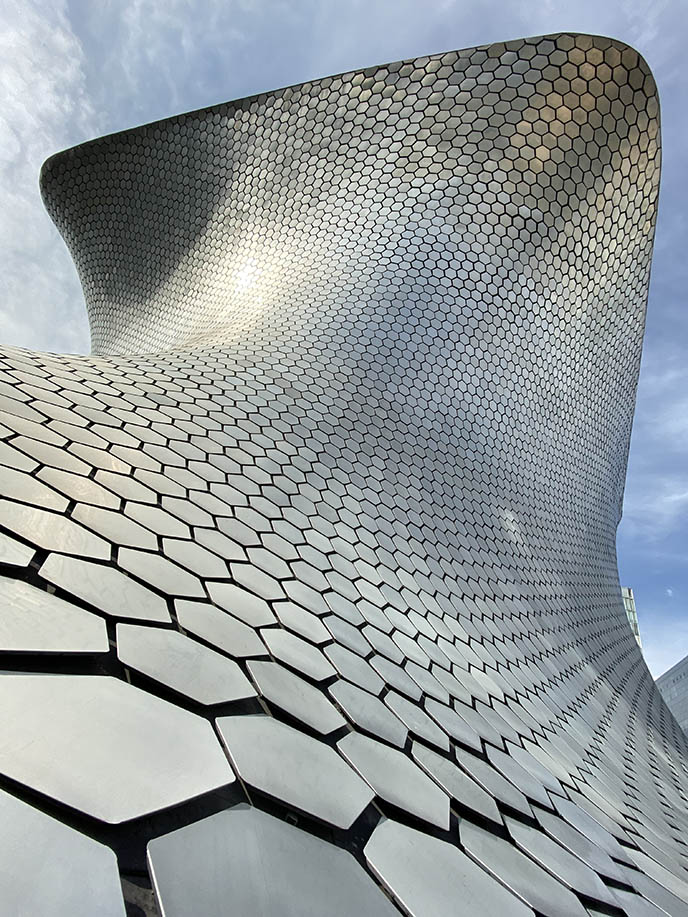 silver modern mexico city museum, soumaya architect