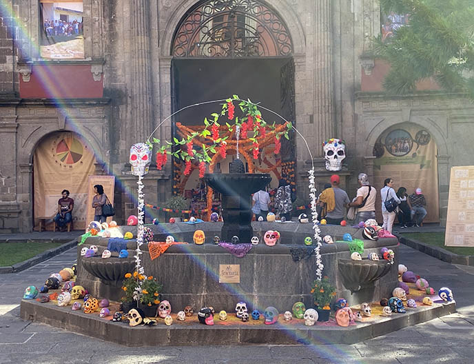 day of the dead art exhibit history museum mexico city