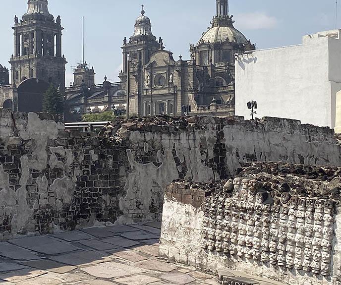 templo mayor skull rack temple sacrifice victims