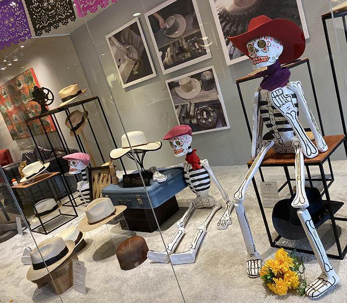 skeleton mannequins funny mexican dia de los muertos