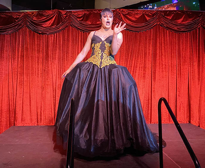 palm springs drag queen shows, gay lgbt nightlife clubs