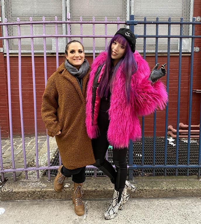 粉红色蒙羔羊毛毛皮大衣外套