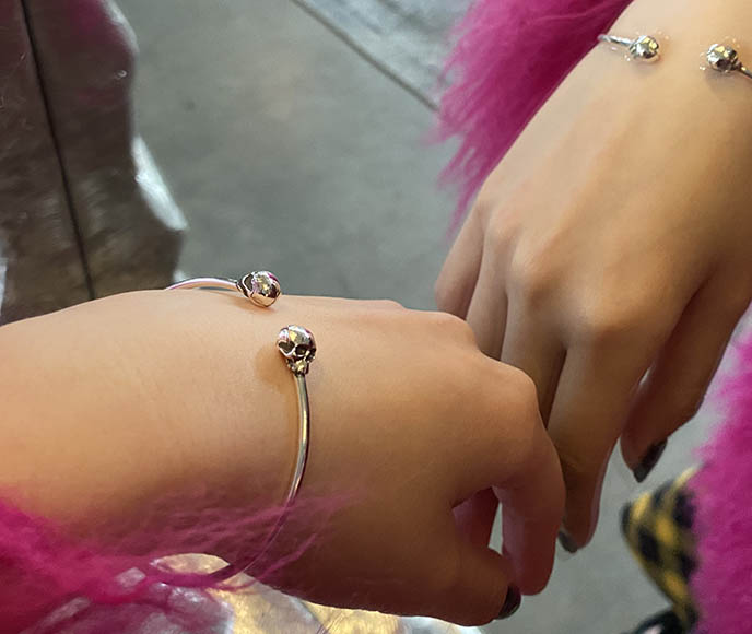 stephen einhorn dainty skull silver bracelet bangle skulls