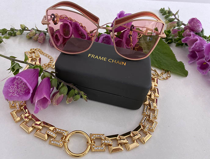 frame chain disco 1970s gold choker glasses accessories