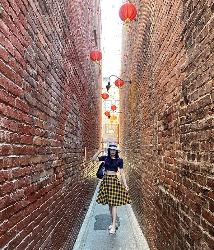 narrow alleyway chinatown victoria bc fantan instagram fashion blogger