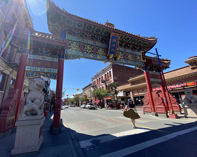 victoria chinatown gate red entrance lion statues