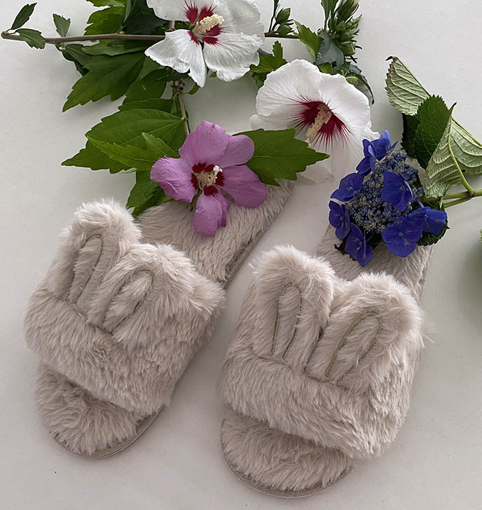 designer furry faux fux slippers, bedroom flip flops