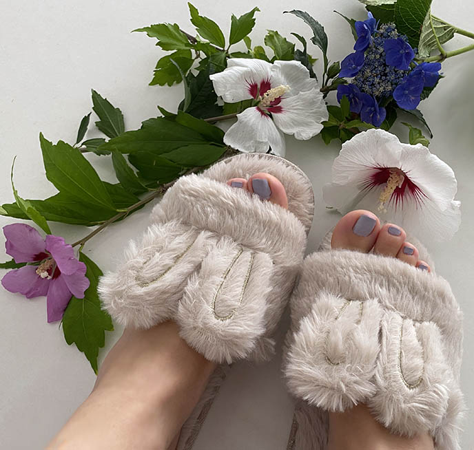 fuzzy white bunny rabbit bedroom slip on open toe slippers