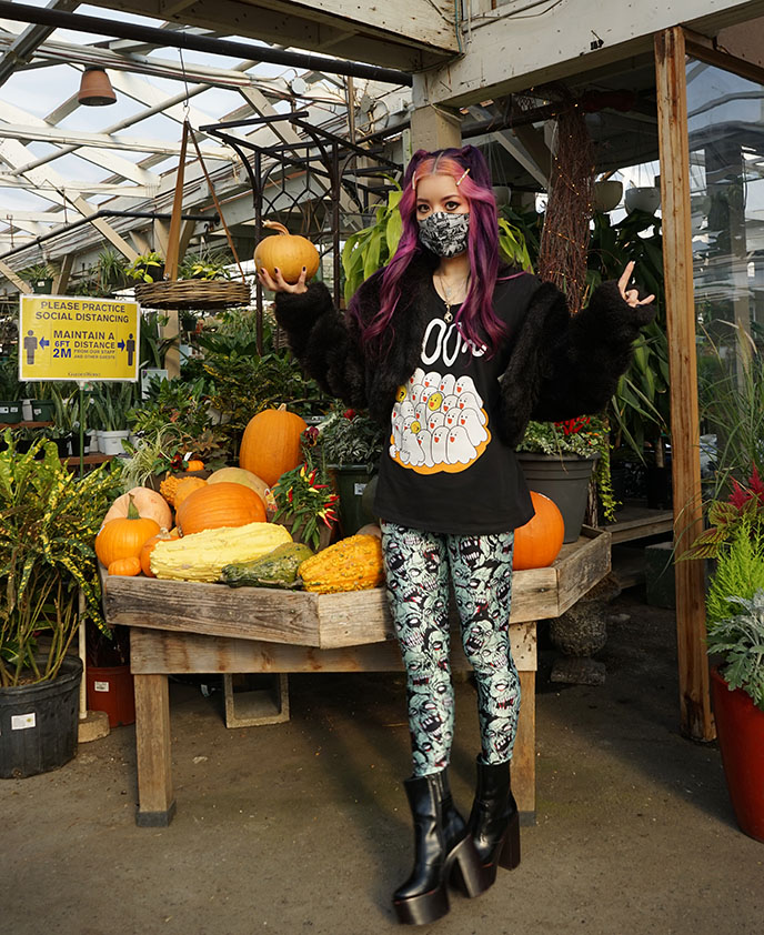 halloween influencer pumpkin themed outfits