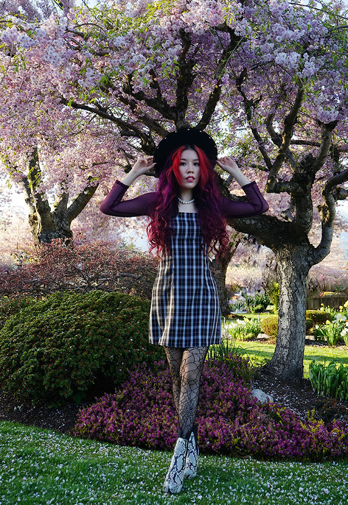 gothic grunge aesthetic alien goth e-girl fashion