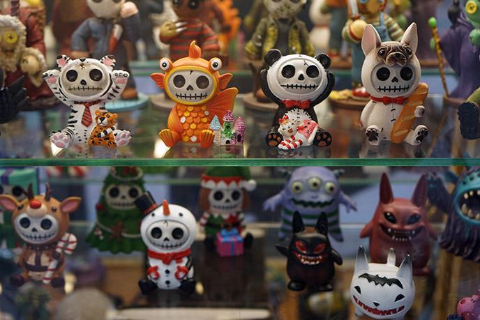 salem souvenir shops halloween toys spooky