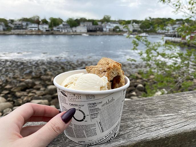 rockport ma apple strudel helmut's ice cream dessert