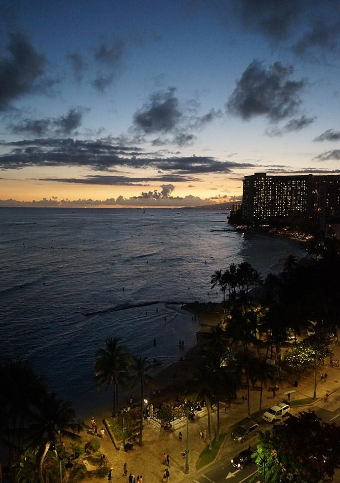 waikiki beach sunset spot viewpoint honolulu hotels balconies