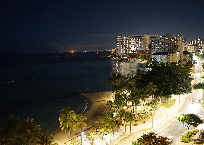 waikiki beach at night hawaii