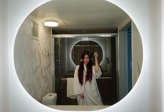 space futuristic round bathroom mirror lights