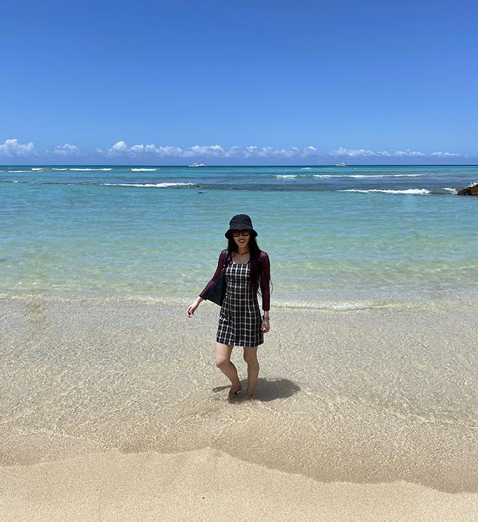 japanese tourists tourism waikiki beach honolulu