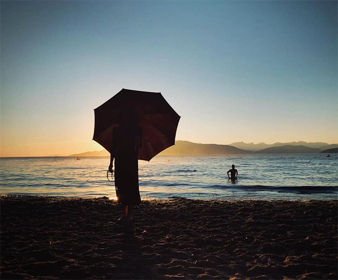 vancouver heatwave 2021 beach spanish banks kitsilano sunset