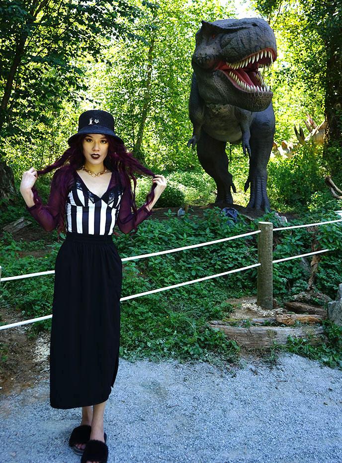 tyrannosaurus rex statue museum park vancouver dinosaur exhibit