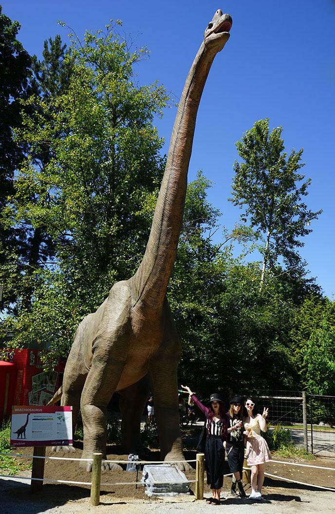 vancouver jurassic park dino dinosaur statues