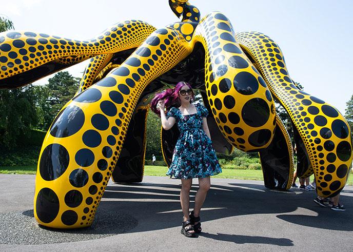 bronx botanical garden kusama giant pumpkin sculpture