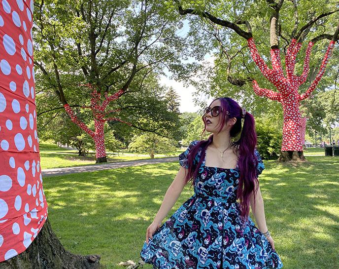 yayoi kusama wrapped trees new york botanical garden bronx dots fabric